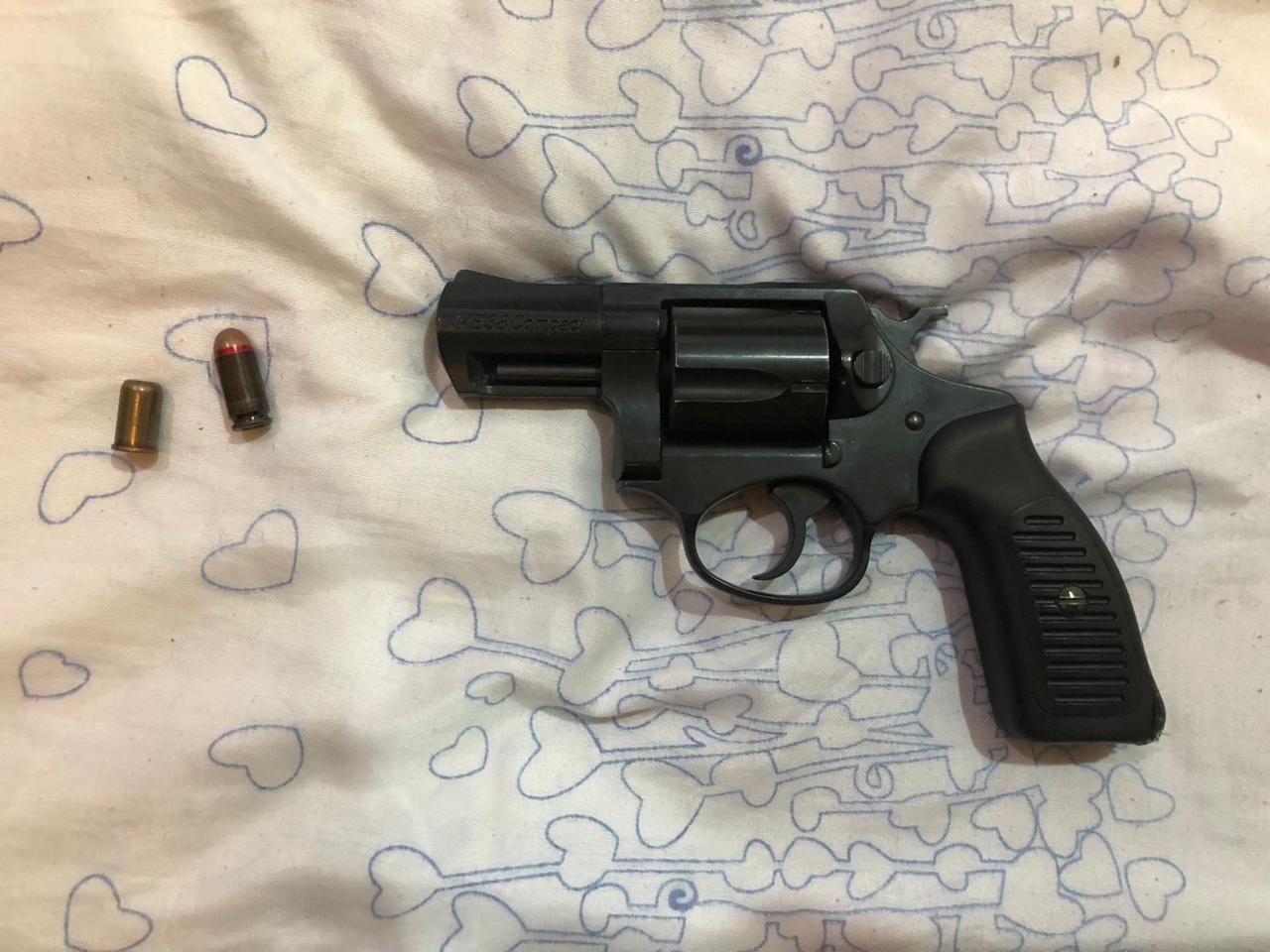 В Актау полиция задержала мужчин с наркотиками и оружием, фото-1