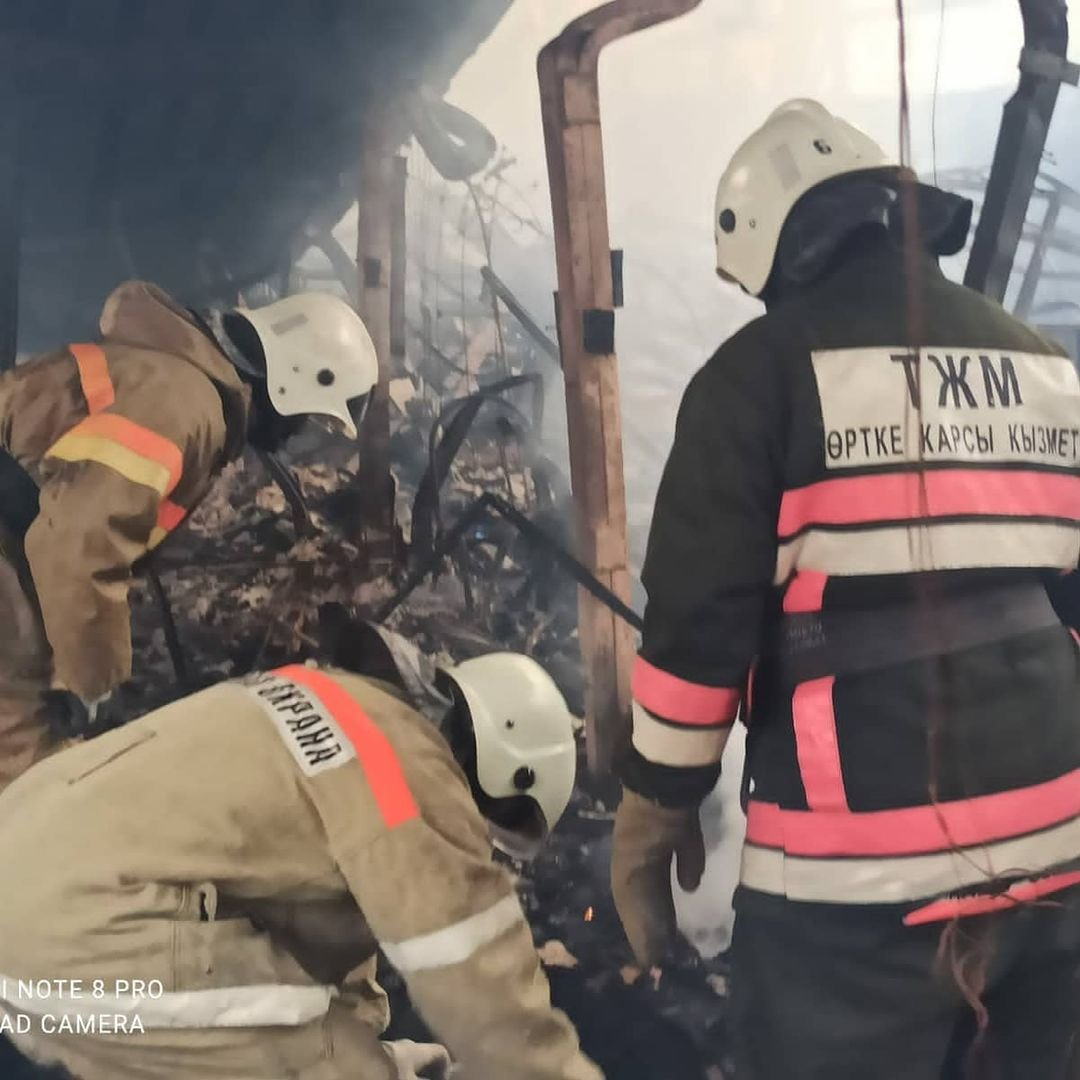 Пожар на месторождении Боранколь. Фото с места происшествия, фото-10